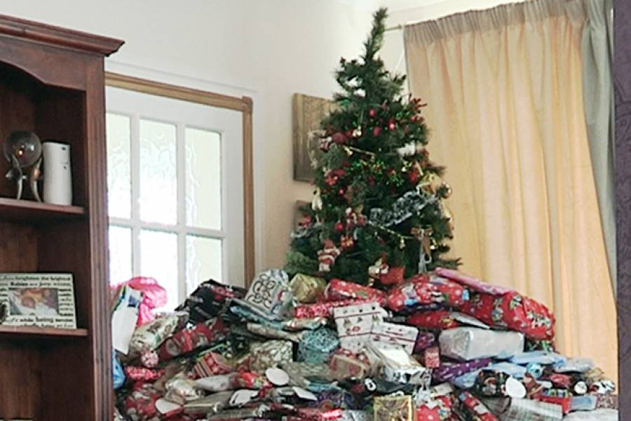 Xmas Excess: Parents Splash The Cash